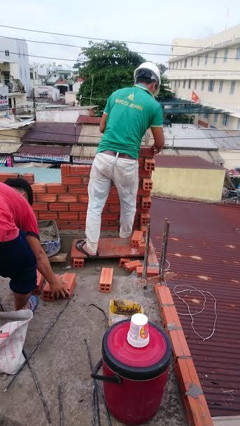 xây tường lầu 2