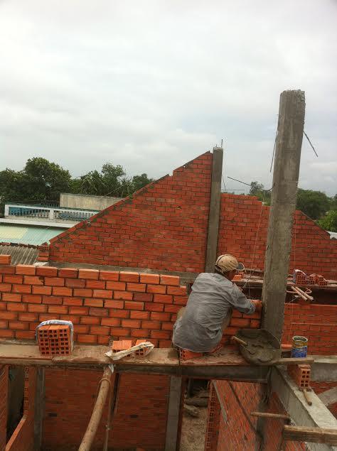 xây tường mái