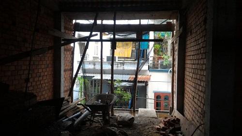 đổ cột sân thượng, tô tường tầng lửng, tháo cốt pha dầm sàn lầu 1, tô trần lầu 1