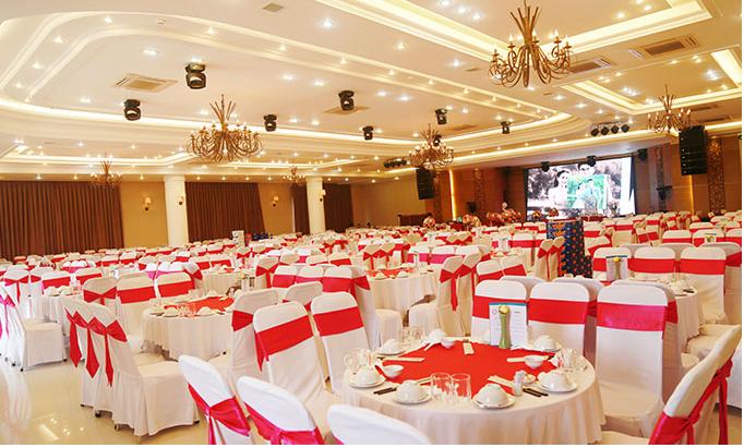 Nhà hàng tiệc cưới với nội thất độc đáo, đa dạng