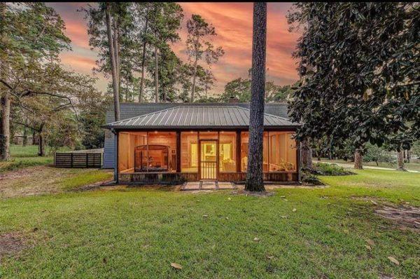 Mẫu nhà đẹp kiểu Mỹ ở trong rừng độc đáo
